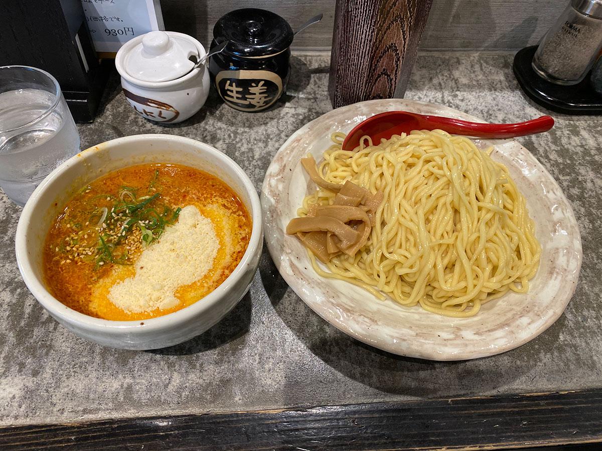 札幌らーめん 北の大地のチーズ辛味噌つけ麺。